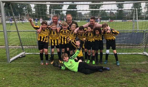 Baardwijk JO10-1 behaalde tegen alle verwachtingen in toch het kampioenschap!