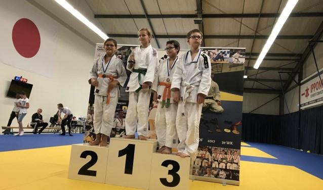 Imke Geselschap (Hengelo-Slangenbeek) kampioen, Tristan Boer (Hengelo) 3e