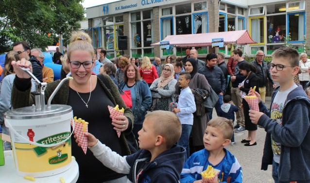 Voor het laatst genieten van de gezellige Fatima Familiedag op de oude schoolpleinen. (Foto: Lysette Verwegen)