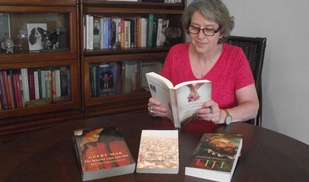 De boeken van de boekbesprekingen. (foto: eigen foto)