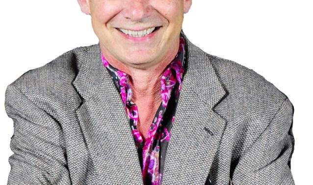 Sjoerd Pleijsier als zijn alter ego Simon Stokvis (Foto: PR)