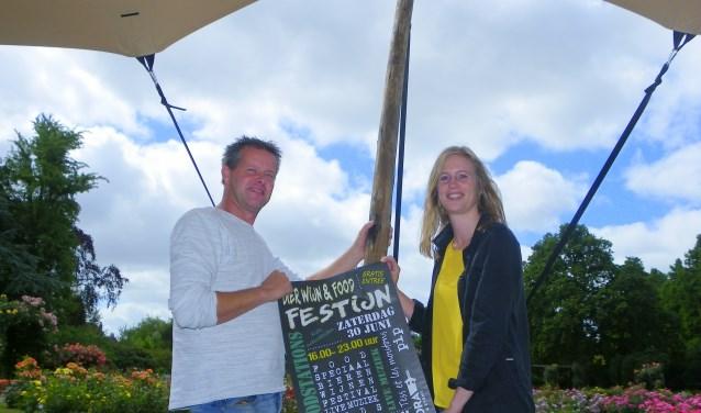 """Ronald Dufais en Marjolein van Tienhoven organiseren het nieuwe Bier Wijn & Food Festijn op 30 juni bij Flora Boskoop en het Rosarium. """"Een zomerfestival staat of valt met het weer."""""""