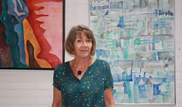"""Nelleke Anbeek: """"Ik heb vaste klanten die elk jaar komen kijken en benieuwd zijn wat ik nu weer heb gemaakt."""" www.kodh.nl"""