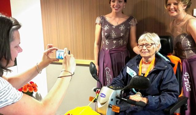Mevrouw Bruggema heeft de Wandel3daagse 5 keer gedaan. Ooit wat minder mobiel in een rolstoel, nu toert ze stoer en trots geheel zelfstandig het circuit af in haar scootmobiel. Dat is een stuk leuker!