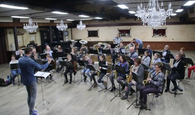 Gezamenlijke repetitie in Zwartebroek/Terschuuruw