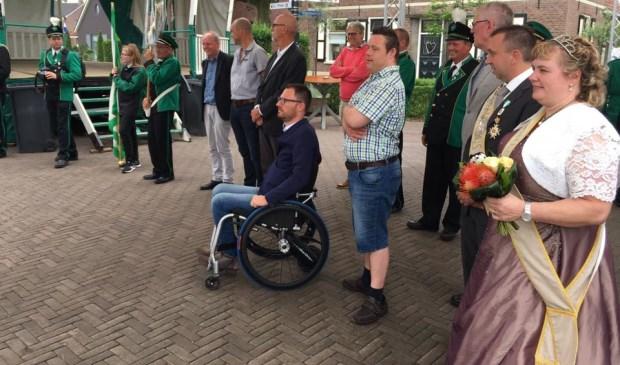 Marco naast Otwin van Dijk tijdens de kermis in Megchelen.