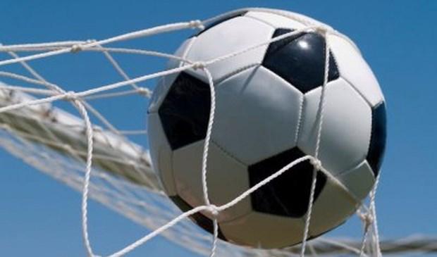 In samenwerking met Voetbal International organiseert Hornbach Alblasserdam elk weekend in juni tot en met 15 juli workshops 'Maak een goal'. (Foto: Privé)