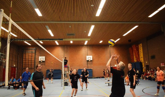Deze week start de tweede editie van het VolleyFestival en strijden weer meer dan 30 teams tegen elkaar in Sporthal De Bouwmeester.