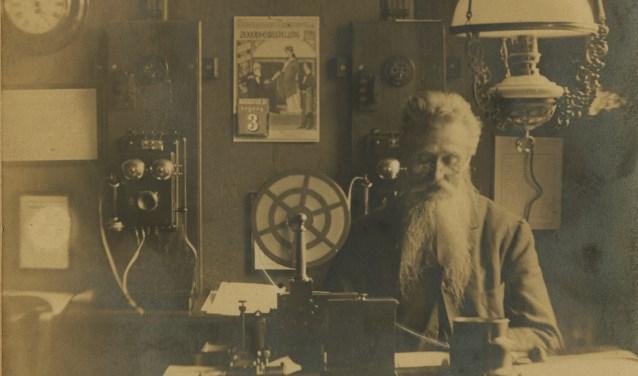 Het post- en telegraafkantoor van Brouwershaven in 1900