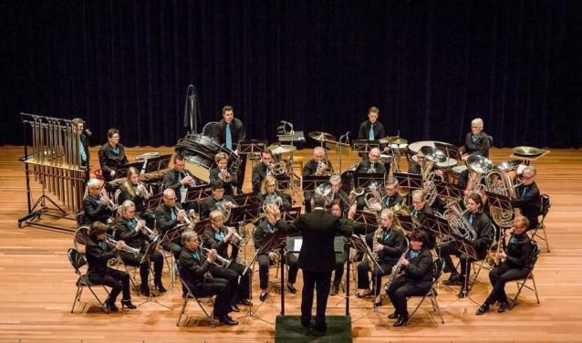 """Het concert wordt verzorgd door de fanfare, de slagwerkgroep en de dweilband """"de ertepikkers""""."""