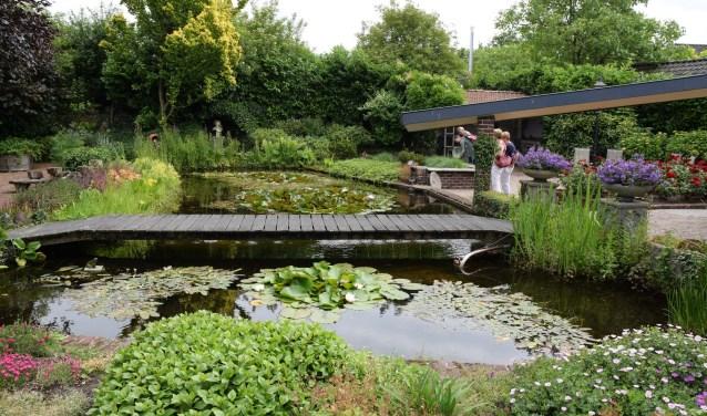Tuin van Joop en Til van der Velden in Schalkwijk.