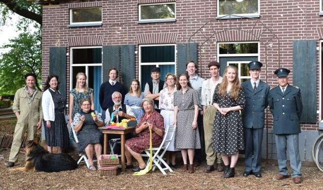 De cast van 't Buurtschap houdt een extra voorstelling van het openluchtspel Rimpelingen.