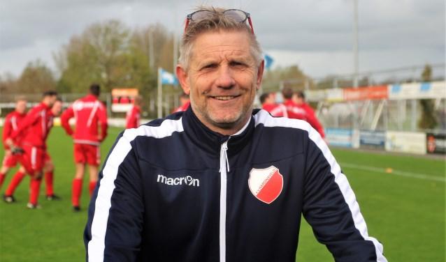 Het Hardinxveld van de Werkendamse trainer Arjan de Vries is zaterdag de volgende tegenstander op weg naar de finale met als inzet de terugkeer naar de tweede klasse.