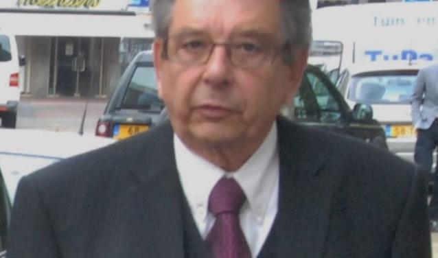 Pastor Weldam is na vijftig jaar nog steeds actief in de kerk.