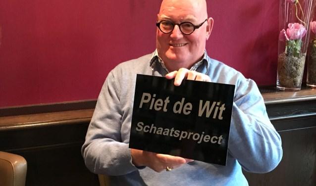 Al 25 jaar 'leert' Piet de Wit de jeugd schaatsen. Bij z'n afscheid van de ESF werd het schoolschaatsproject daarom naar hem vernoemd.