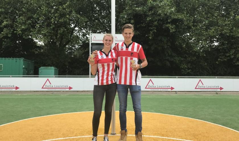 Nina en Jan met hun welverdiende awards (foto: Annemarie de Vries).