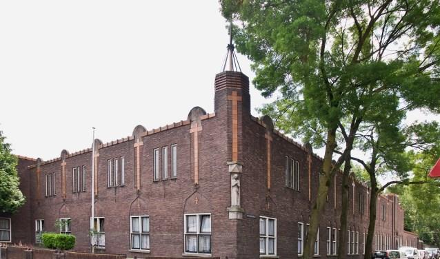 Het Fraterhuis is een rijksmonument, gebouwd in 1933. De architect was Constant Panis.