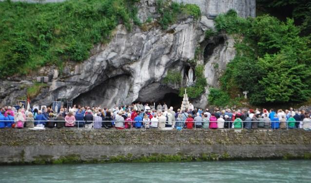Lourdes trekt jaarlijks nog vele, zeer vele pelgrims. FOTO: Jos van der Heijden.