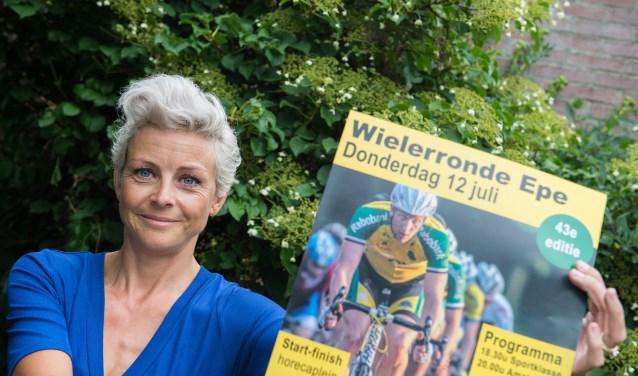 Marieke van Altena heeft iets met sporten in het algemeen en wielrennen in het bijzonder. Sinds dit jaar helpt ze mee met Eper Wielerronde.