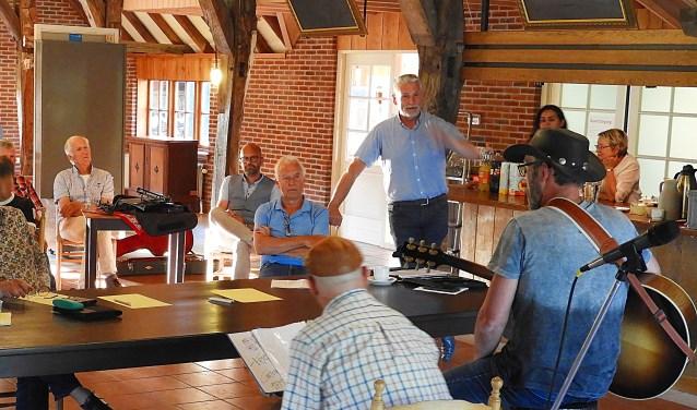 De jury kreeg twee voorrondes lang de meest uiteenlopende optredens te zien. Uiteindelijk is de keus gemaakt en de finalisten zijn te zien op zondag 1 juli tijdens het Twents Songfestival in Openluchtmuseum Ootmarsum.