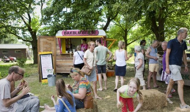 Het festival vindt plaats op zondag 17 juni tussen 12.00 en 20.00 uur op het terrein van Tuinderij de Es, gelegen aan Eind 19c in Haaren.