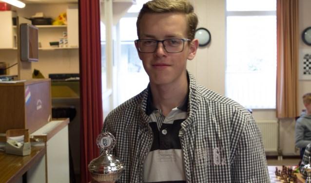 Arie van der Starre is overtuigend schaakkampioen bij de jeugd. (Foto: pr)