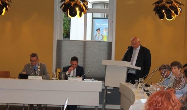 """Martin Veldhuizen, formateur namens de VVD: """"na screening van de kandidaten kan de benoeming van de nieuwe wethouders plaatsvinden tijdens de raadsvergadering van 3 juli."""