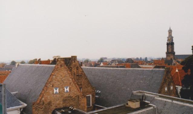 Topgevels aan de oostzijde. (Tekst: A.C.H. ter Hoek/ Foto: Stedelijke Musea Zutphen)