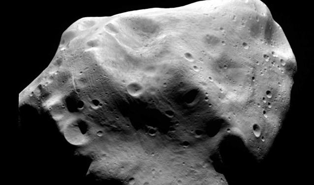 Planetoïden kunnen dicht bij de aarde komen en vormen een bedreiging voor het leven.