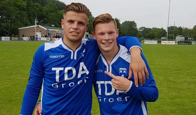 Jens van Vugt (links - 1 goal) en Mark van Agteren (1 treffer en 2 assists) hadden een belangrijk aandeel in de heroïsche 3-4 zege van Wieldrecht.