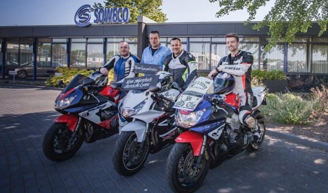 Maik, Jeffrey, Jorg en Ashwin rijden voor Team Teek a Ride