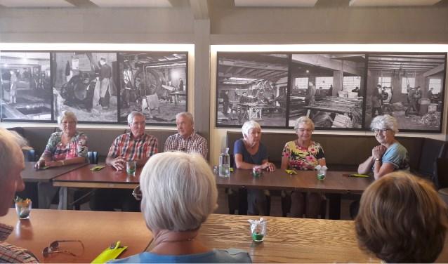 Lunch met de Engelse gasten in De Looijerij. (tekst Lidwien Buné)