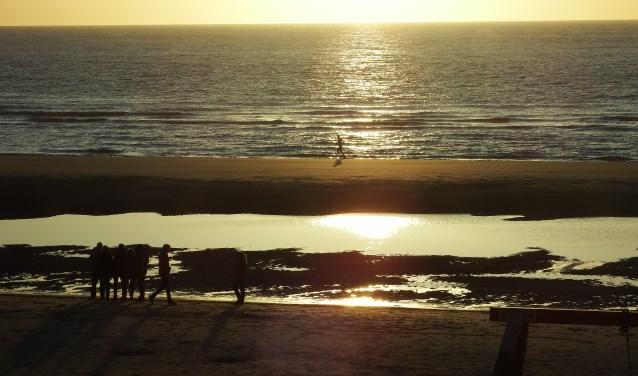 Lopen op het mooie strand van de Lage Duintjes