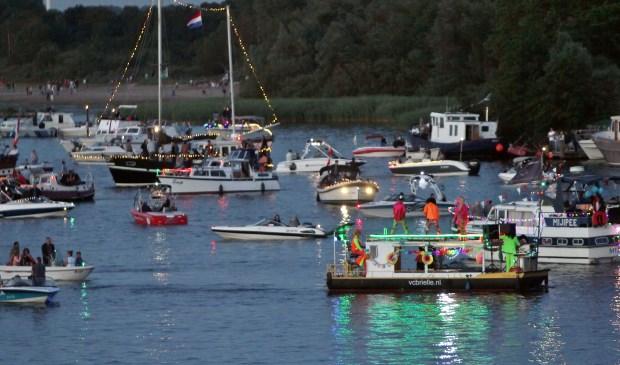 Brielse Meer Spektakelvrijdagavond met vlootschouw en vuurwerkzaterdag rondom het meer diverse aktiviteiten24 en 25 juni 2016Foto: Peter de Jong©2016
