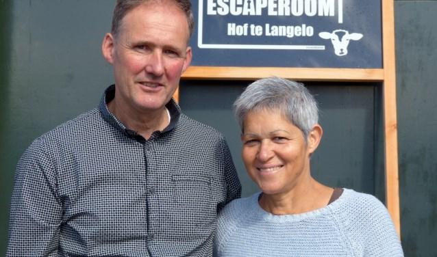 Henk Wesseldijk en Yolanda del Prado wagen met hun plattelandsversie van een escaperoom een sprong in het diepe. Foto: Franklin Veldhuis