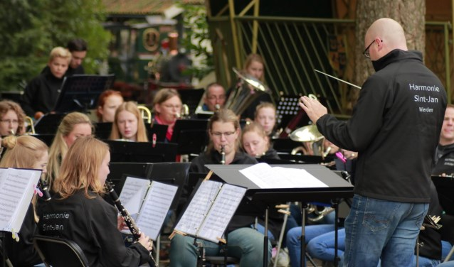 Het B-orkest geeft op vrijdag 16 juni een concert in de open lucht. Foto: Harmonie Sint Jan.