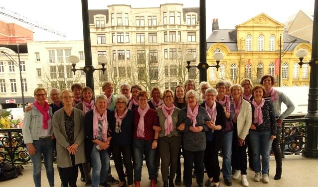 Het Zwingkoor tijdens hun gezellige muzikale reis door België waar ze in meerdere plaatsen hebben opgetreden