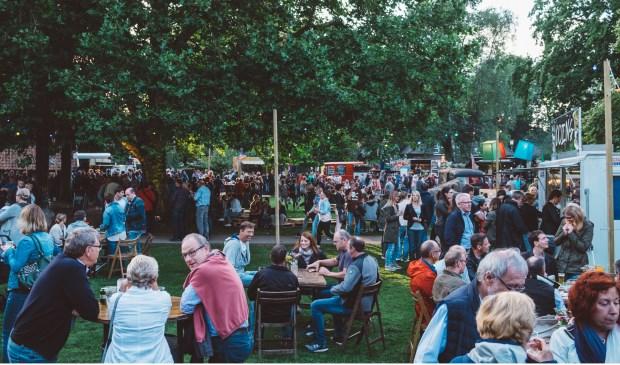 De Food Truck Festivals trekken overal in de regio veel publiek. De organisatie voorziet ook veel belangstelling in het Schelfhorstpark.