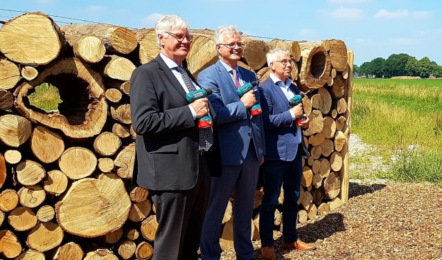 Watergraaf Peter Glas, burgemeester Arinda Callewaert (Bergeijk) en burgemeester Joseph Vos (Eersel)