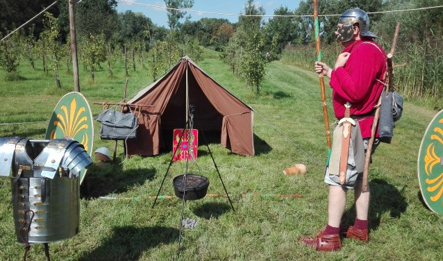 Romeinse tent met soldaat