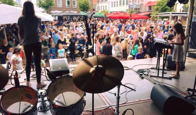 Optredens leerlingen Popschool op Aaltjesdag