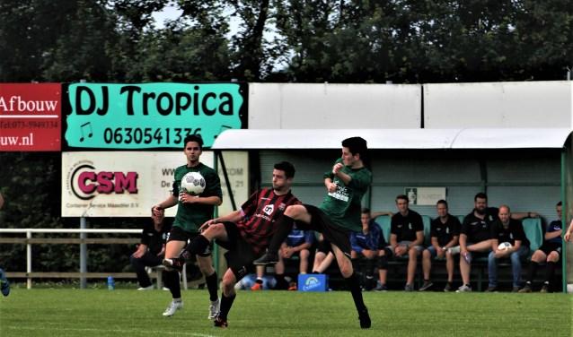 Berkdijk moet zondag op eigen veld tegen Hedel van ver komen. De ploeg liep in de heenwedstrijd in Hedel tegen een 4-0 nederlaag op. Foto: Wout Pluijmert