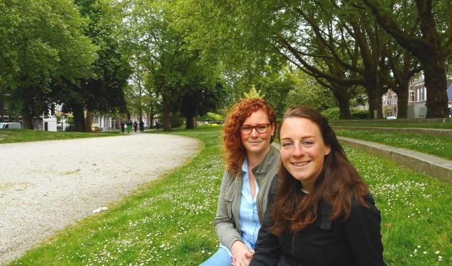Ook dit jaar organiseren Susan Uiterwijk (l) en Willemijn Sneep (r) weer het festival Proef! de Plantage, in het oudste stadspark van Nederland. (Foto: Bart van der Linden)