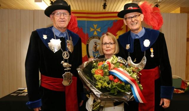 De koninklijke onderscheiding van Martien van Berkel. (foto: Marco van den Broek)