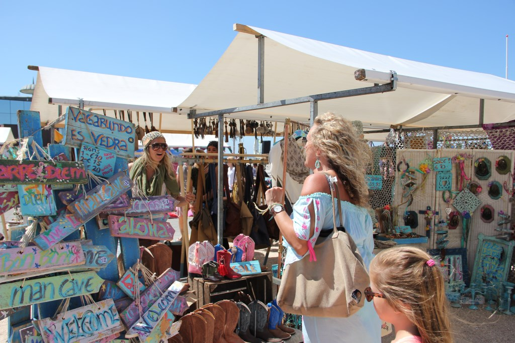 De Ibiza Markt strijkt zondag 1 juli neer bij de Cacaofabriek. Foto: IVDB.
