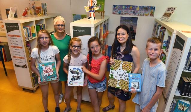 Bibliotheek op de Plattenburgschool: 'De Leesboom'. (foto: Roel Kleinpenning)