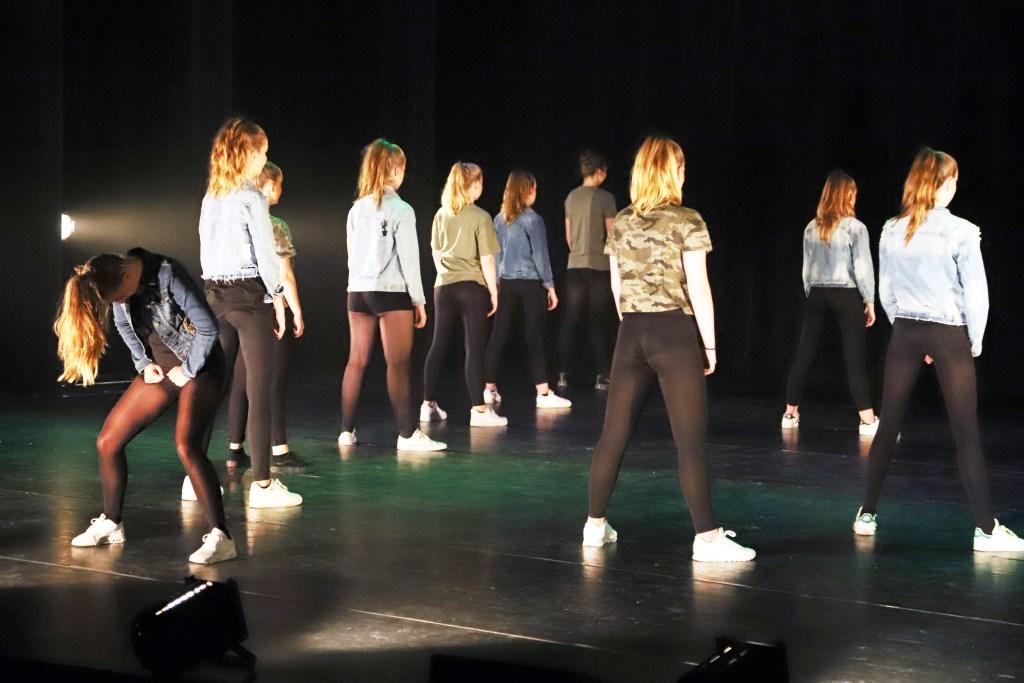 De dansers van DOK lieten een geweldige show zien.  © Persgroep