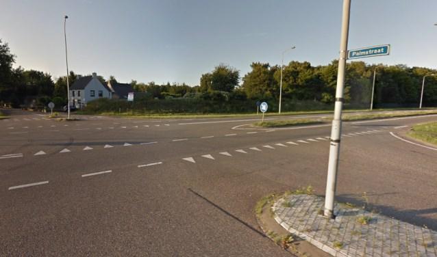 Dit kruispunt is nu een rotonde.