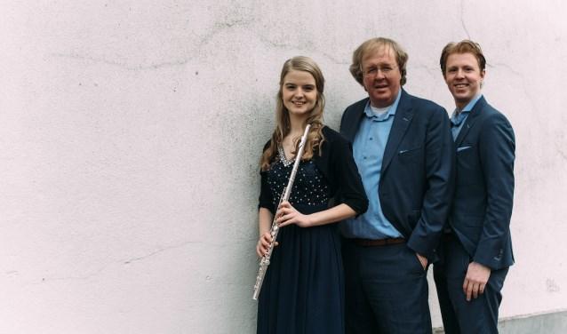 Erica Vogel, Wim Magré en Wilbert Magré presenteren hun gezamenlijke cd tijdens een concert in Doornspijk. (Foto Femmy Wielink)