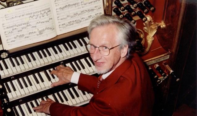 De 79-jarige Sander van Marion geeft zaterdag 4 augustus zijn, waarschijnlijk, laatste concert in Zaltbommel. De Muziekkring pakt dit concert groots aan, zo komt ook de Altena Brass langs.
